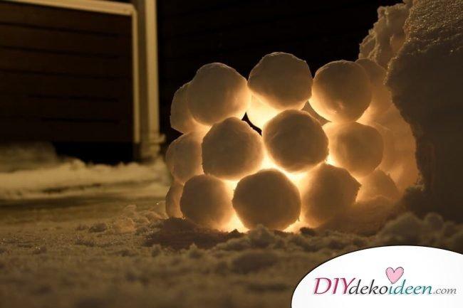 Wunderschönes Lichteffekt im Garten mit Eisiglus und LED Kerzen