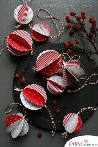 Weihnachtsbaum-Schmuck Ideen aus Papier, Weihnachtsdeko selber basteln