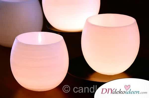 Deko-Kerzenhalter selber machen aus Wachs, Mit Luftballons und Wachs basteln