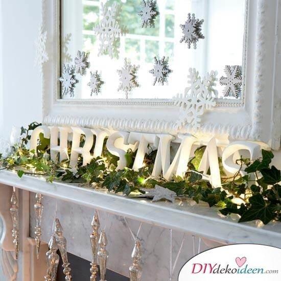 Weihnachtsdeko Ideen mit Lichterketten-Kamin dekorieren