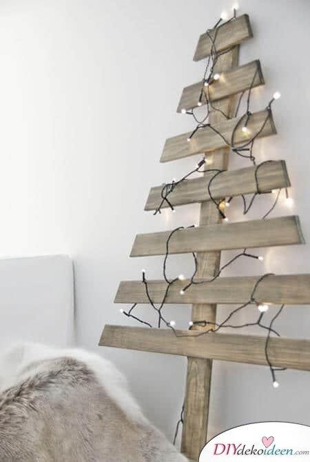 DIY Weihnachtsdeko und Bastelideen zu Weihnachten, skandinavische Deko, Weihnachtsbaum aus Holz-Bretter