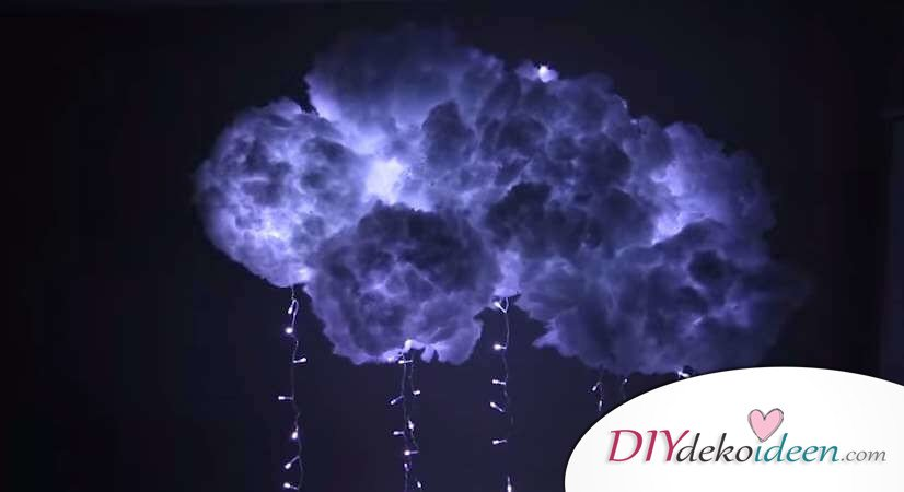 DIY Deko Hängelampe basteln, Bastelidee mit Watte, Wolkenlampe, leuchtende Wolke mit Lichterketten