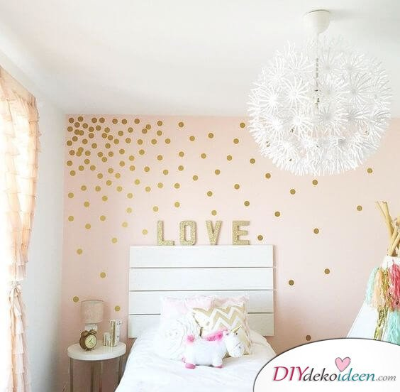 Pünktchenmuster aus Gold - DIY Wohndeko