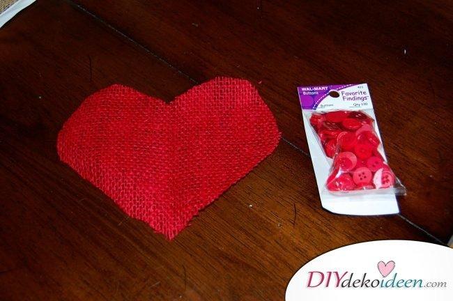 Valentinstgasdeko - DIY Herzbild aus Knöpfen