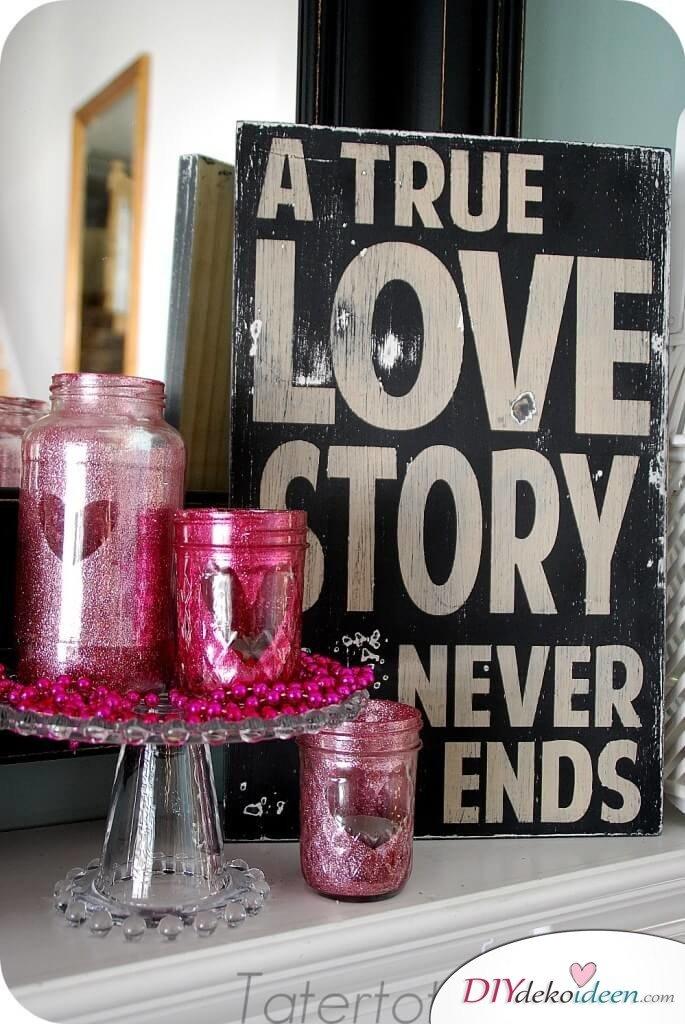 Glitzerndes Kerzenglas zum Valentinstag - DIY Bastelidee