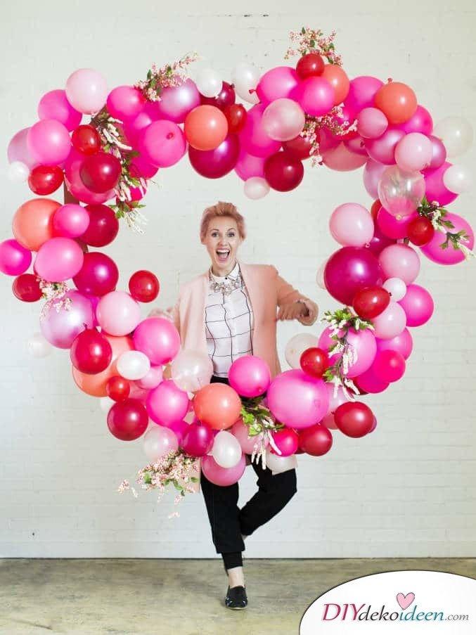 Riesenherz aus Luftballons für den perfekten Fotohintergrund - DIY Dekoidee