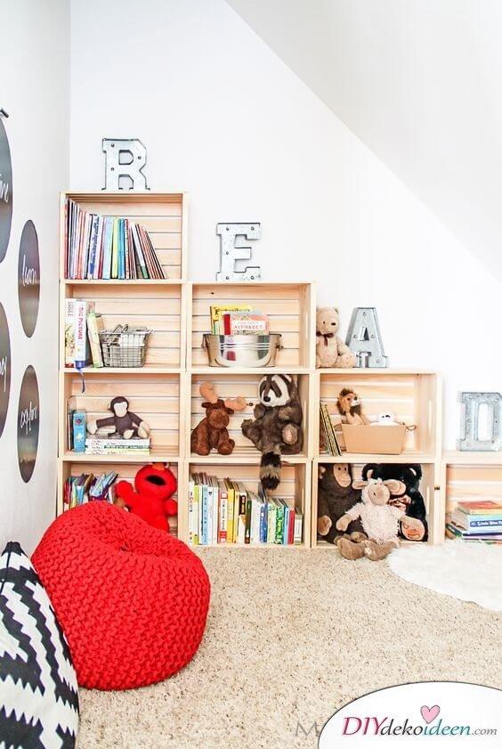 Kinderzimmer Regal selber machen - DIY Idee für Zimmer mit Dachschrägen