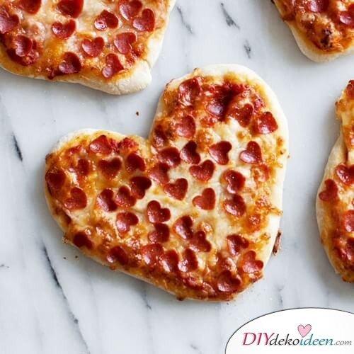 Herz-Pizza Salami - leckere Rezepte zum Valentinstag