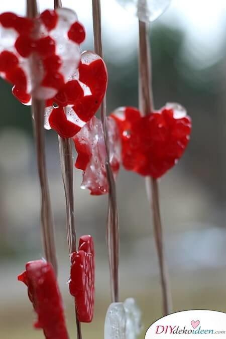 Bastelidee zum Valentinstag - DIY Windspiel