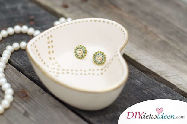 Süßes handbemaltes Schälchen - DIY Valentinstagsgeschenk