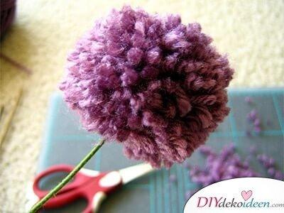 DIY Valentinstagsgeschenk - Niedliche Pompon-Blumen