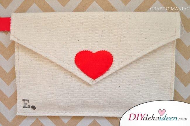 DIY Stoffbriefumschläge - süße Geschenkideen für den Valentinstag