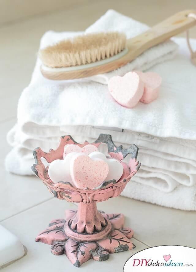 DIY Ideen - Valentinstags-Badekugeln zum Selbermachen