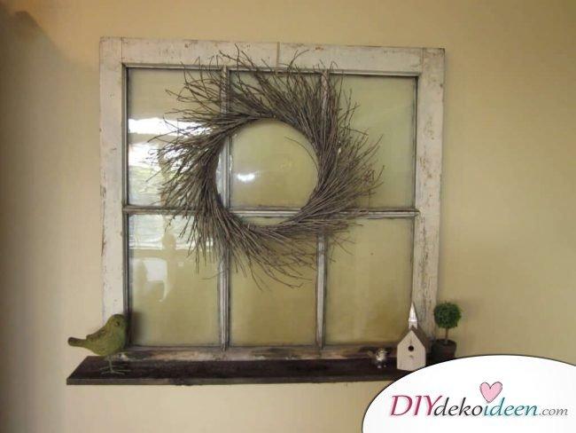 DIY Wanddeko mit Fensterrahmen und Kränzen