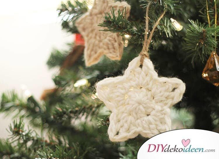 selbst gemachte Christbaumdeko aus Wolle