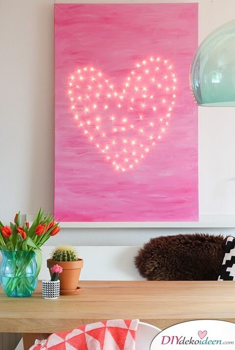 DIY Geschenkideen mit Lichterketten - pinkes Leinwandbild