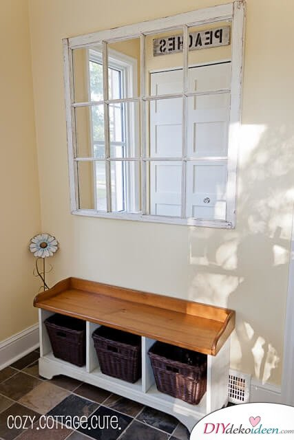 Spiegel im Vorzimmer - DIY Wohnideen aus alten Fenstern