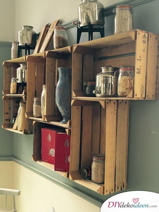 Küchenschrank aus alten Holzkisten selber machen