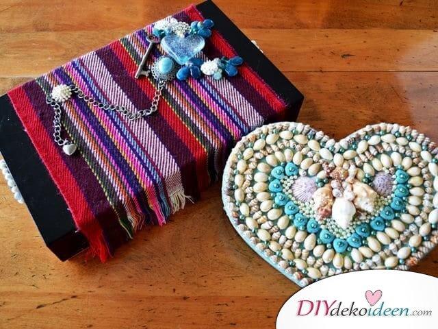 Verzierte Schmuckschachteln - DIY Geschenk zum Valentinstag