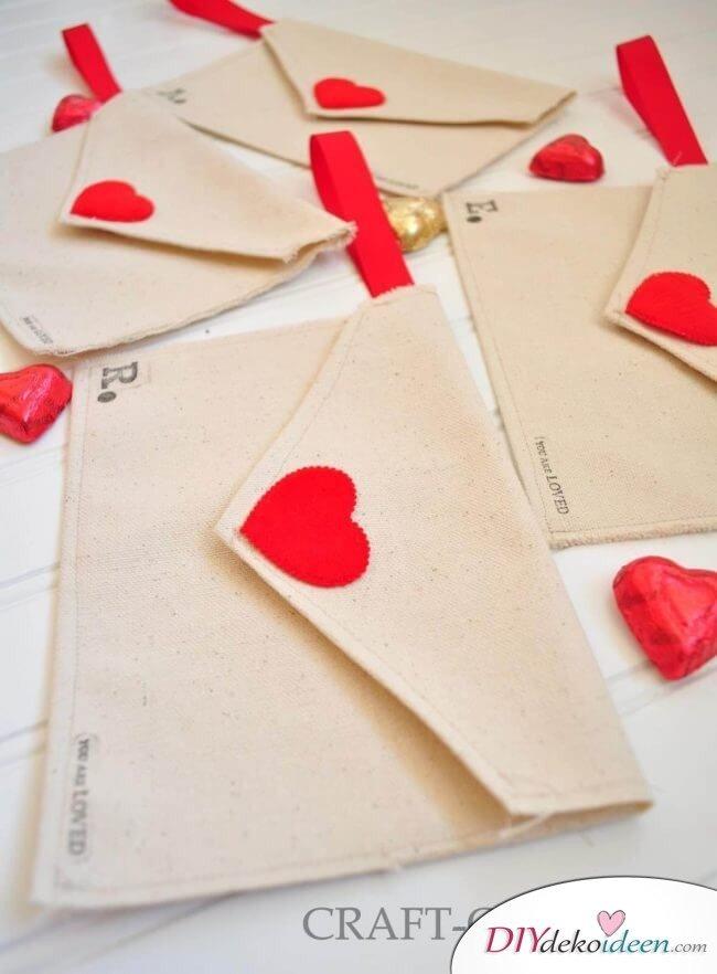 DIY Stoffbriefumschläge für den Valentinstag - süße Geschenkideen
