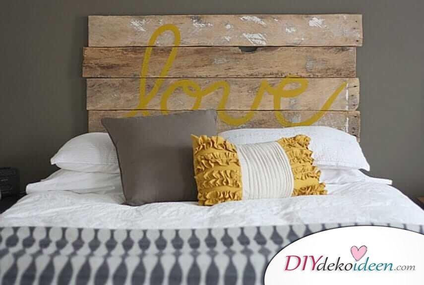 DIY Schlafzimmer Deko-Ideen zum Valentinstag: Kopfende selber machen