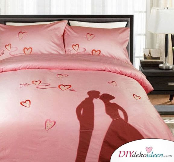 DIY Schlafzimmer Deko-Ideen zum Valentinstag: romantische Bettwäsche