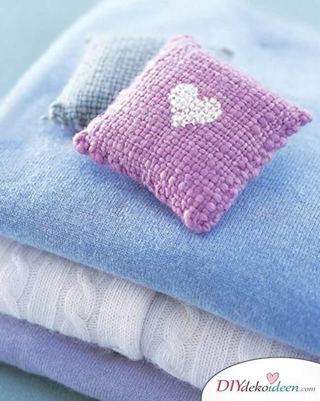 Duftende, kleine Kissen - Last Minute DIY Geschenk