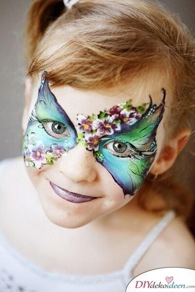 Aufwendiger Schmetterling - DIY Schminktipps - Ideen fürs Kinderschminken zum Karneval