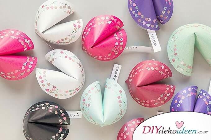 DIY Glückskekse selber machen - Valentinstagsgeschenk Bastelideen
