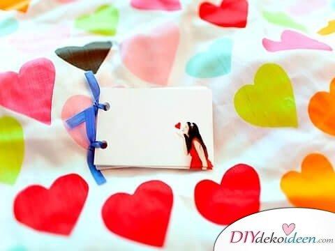 Ein Kuss in der Hosentasche - Süße DIY Bastelideen zum Valentinstag