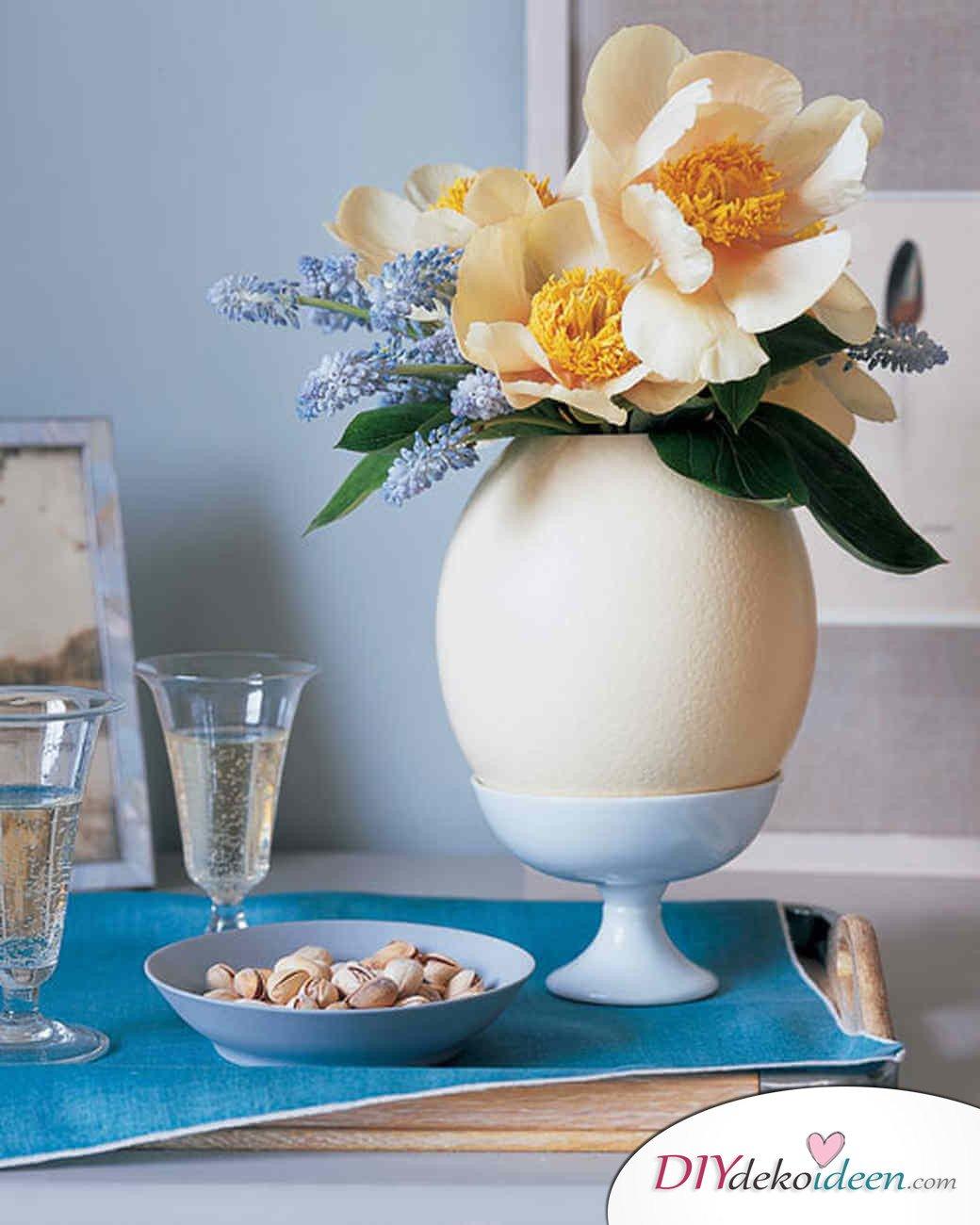 DIY Ideen - Frühlingsdeko selbst gestalten - Straußenei-Vase
