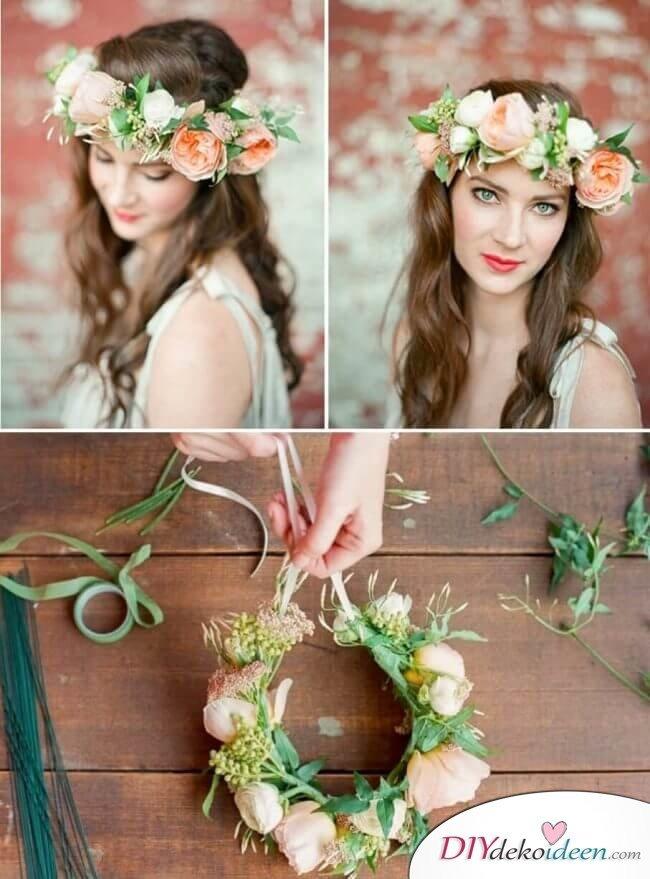 Brautfrisur mit Blumengesteck - Weiche Locken