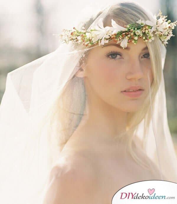 Brautfrisur mit Blumengesteck - Offenes Haar