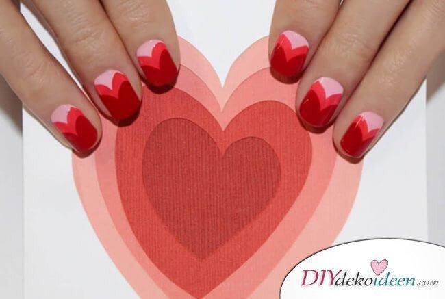 Klopfendes Herz - DIY Ideen für schöne Nägel zum Valentinstag