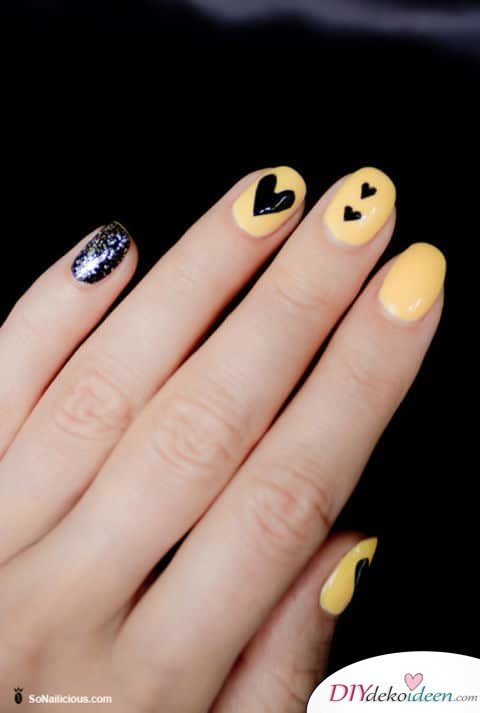 Gewagte Farbwahl - DIY Ideen für schöne Nägel zum Valentinstag