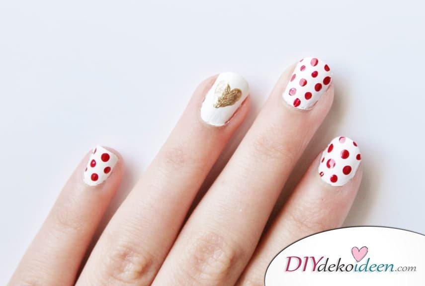 Ein Herz aus Gold - DIY Ideen für schöne Nägel zum Valentinstag