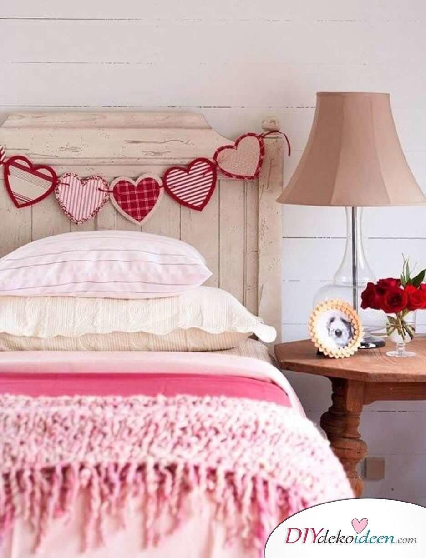 charmante diy schlafzimmer deko ideen zum valentinstag. Black Bedroom Furniture Sets. Home Design Ideas