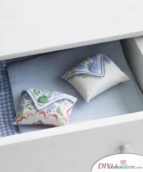 DIY Frühjahrsdeko-Ideen - Taschentuch-Potpourris