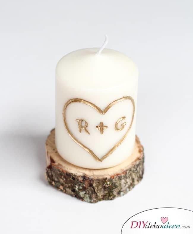 Romantische Initialenkerze - Last Minute DIY Geschenkideen für den Valentinstag