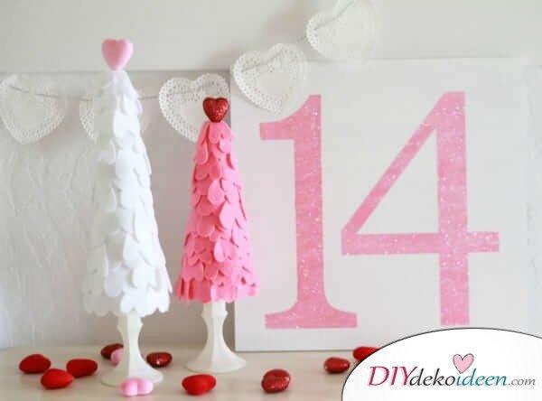DIY Deko Ideen für den Valentinstag - rosane und weiße Dekobäume
