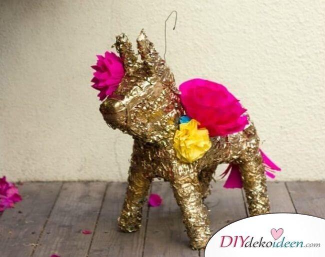 Pinata selber machen - DIY Dekoration für die Faschingsparty