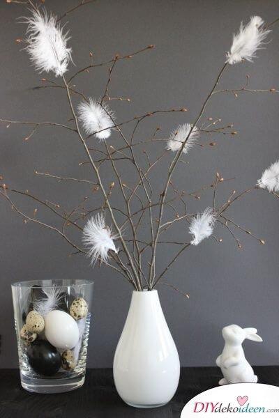 25+ DIY Deko Ideen zu Ostern, Osterstrauch mit weißen Federn schmücken, moderne Dekoration