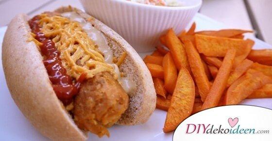 So machst du schmackhafte vegane Hot Dogs mit Süßkartoffel-Fries.