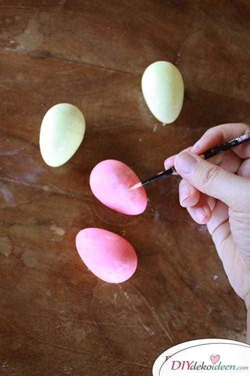 Osterkranz mit Schleifen - Eier bemalen