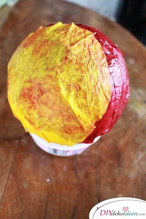 DIY Dekoidee - Zweite Reihe Blütenblätter aufkleben