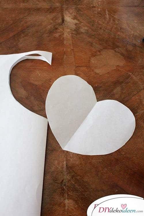 DIY Dekoidee Knopfbäumchen basteln zu Ostern - Schablone ausschneiden