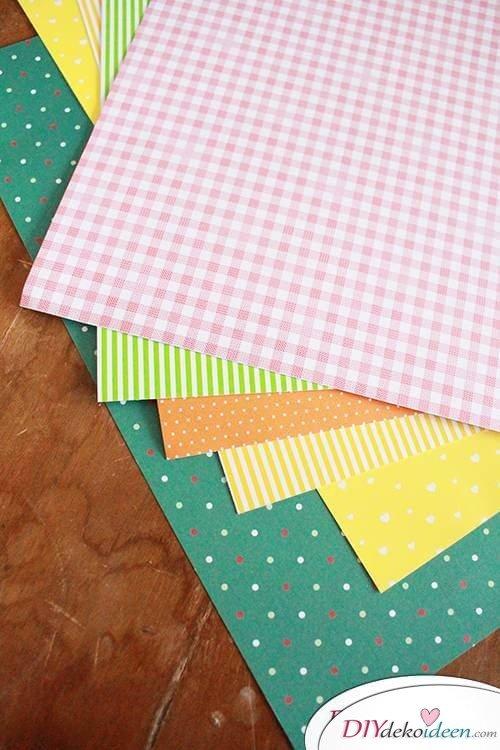 Mit Bastelkarton DIY Osterhasen und Küken gestalten