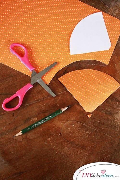 DIY Karotten aus Bastelkarton