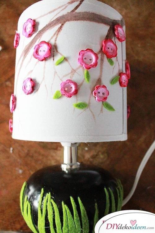 DIY Frühjahrsdekoideen – Blättchen und Blüten