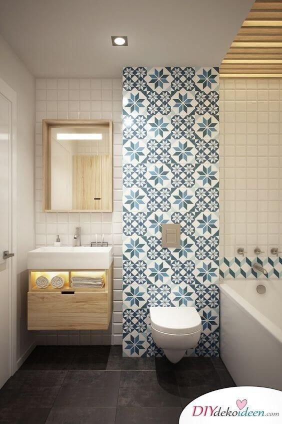 Fliesen-Deko Ideen: modernes Badezimmer mit marokkanischen Fliesen: Blau und Weiß mit Holz
